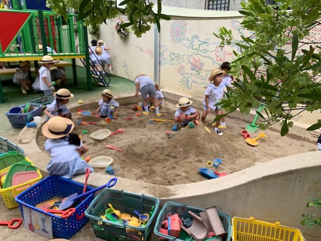 砂遊び 西高殿若葉幼稚園 にしたかどのわかばようちえん
